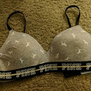 Wireless Victoria's Secret Pink Bra